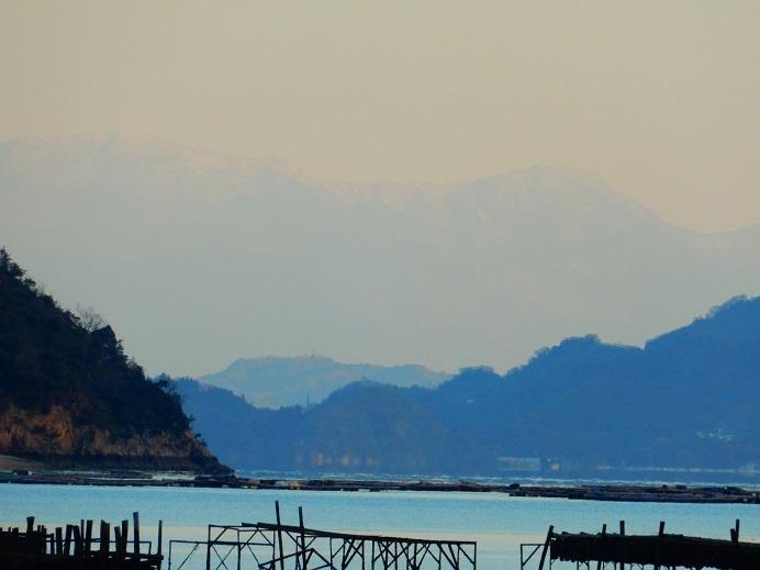 見えた!四国山地の白い壁_e0175370_21403293.jpg
