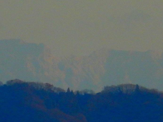 見えた!四国山地の白い壁_e0175370_21404396.jpg