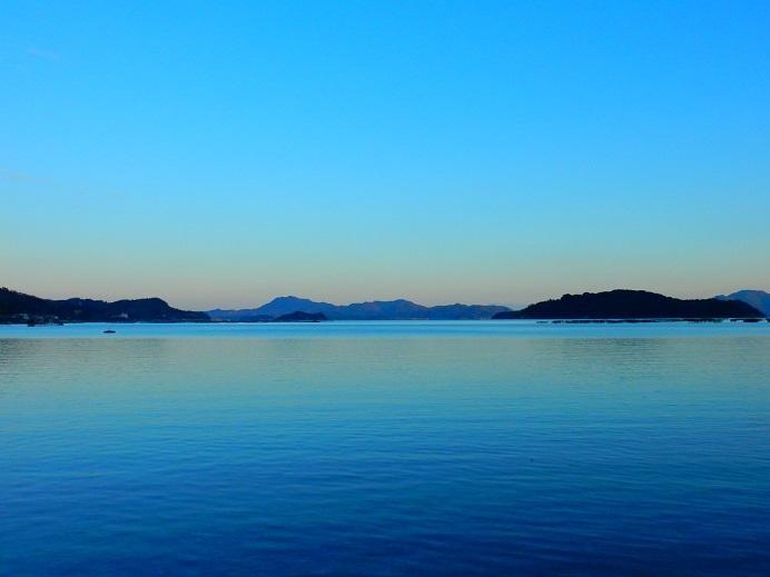 見えた!四国山地の白い壁_e0175370_21410028.jpg