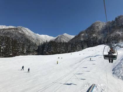 終わったこともあり.......急遽地元若桜氷ノ山スキー場に....._b0194185_18254678.jpg