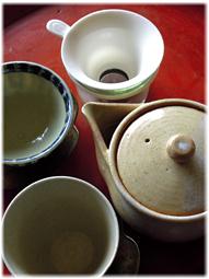 お茶を飲む道具 アンティークを普段使いに_d0221430_21384569.jpg