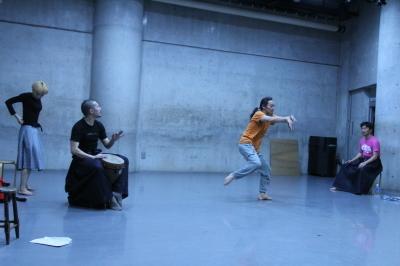 ダンスとライブ音楽を満喫できる「近藤良平・神楽坂とさか計画ORIGIN 3」公演間もなく_d0178431_00544963.jpg