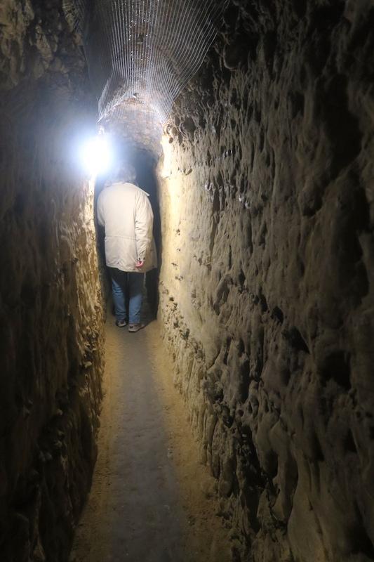 迷路のよう大聖堂地下に古代の水路、キウーシ_f0234936_710157.jpg