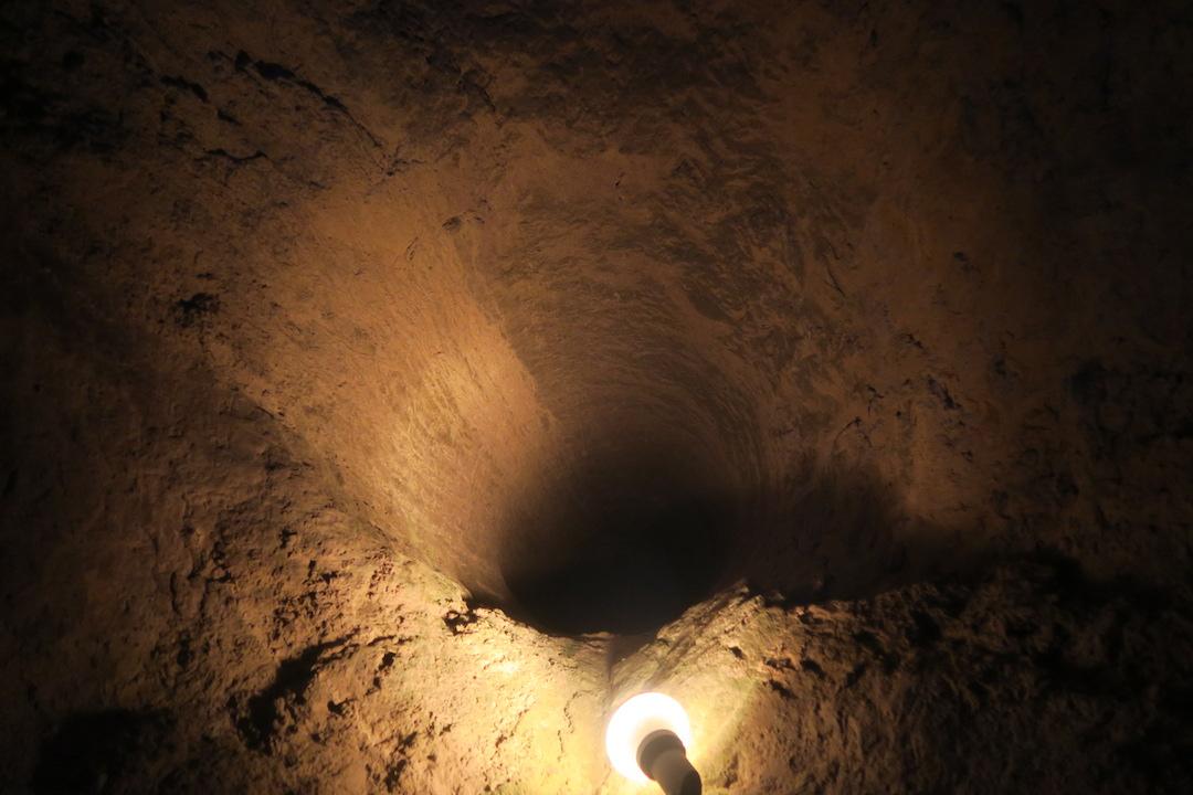 迷路のよう大聖堂地下に古代の水路、キウーシ_f0234936_75890.jpg