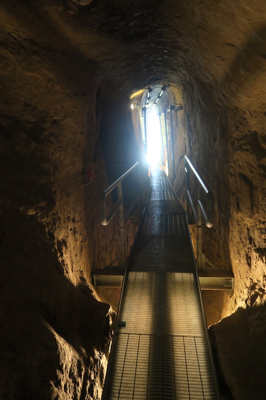 迷路のよう大聖堂地下に古代の水路、キウーシ_f0234936_771769.jpg