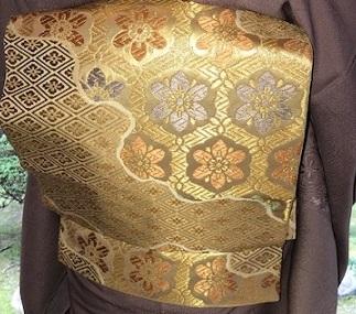 新年会のお客様・お洒落な道中着に汕頭刺繍訪問着。_f0181251_18281866.jpg