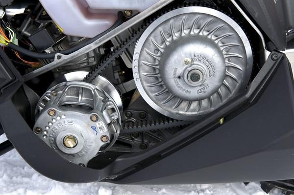 SKIDOO セカンダリークラッチ修理_f0044558_08152015.jpg