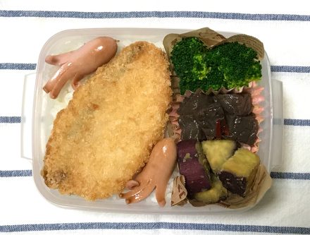 鮭フライ弁当と、サヨナラ出来なかった話_d0384590_14123617.jpg