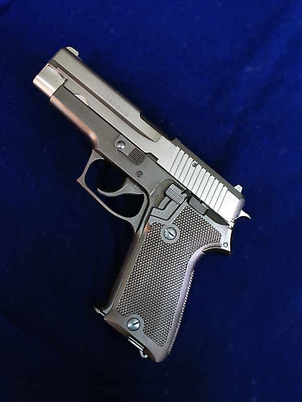 タナカ SIG P220 陸上自衛隊 EVO2 frame HW モデルガン_f0131995_13232684.jpg