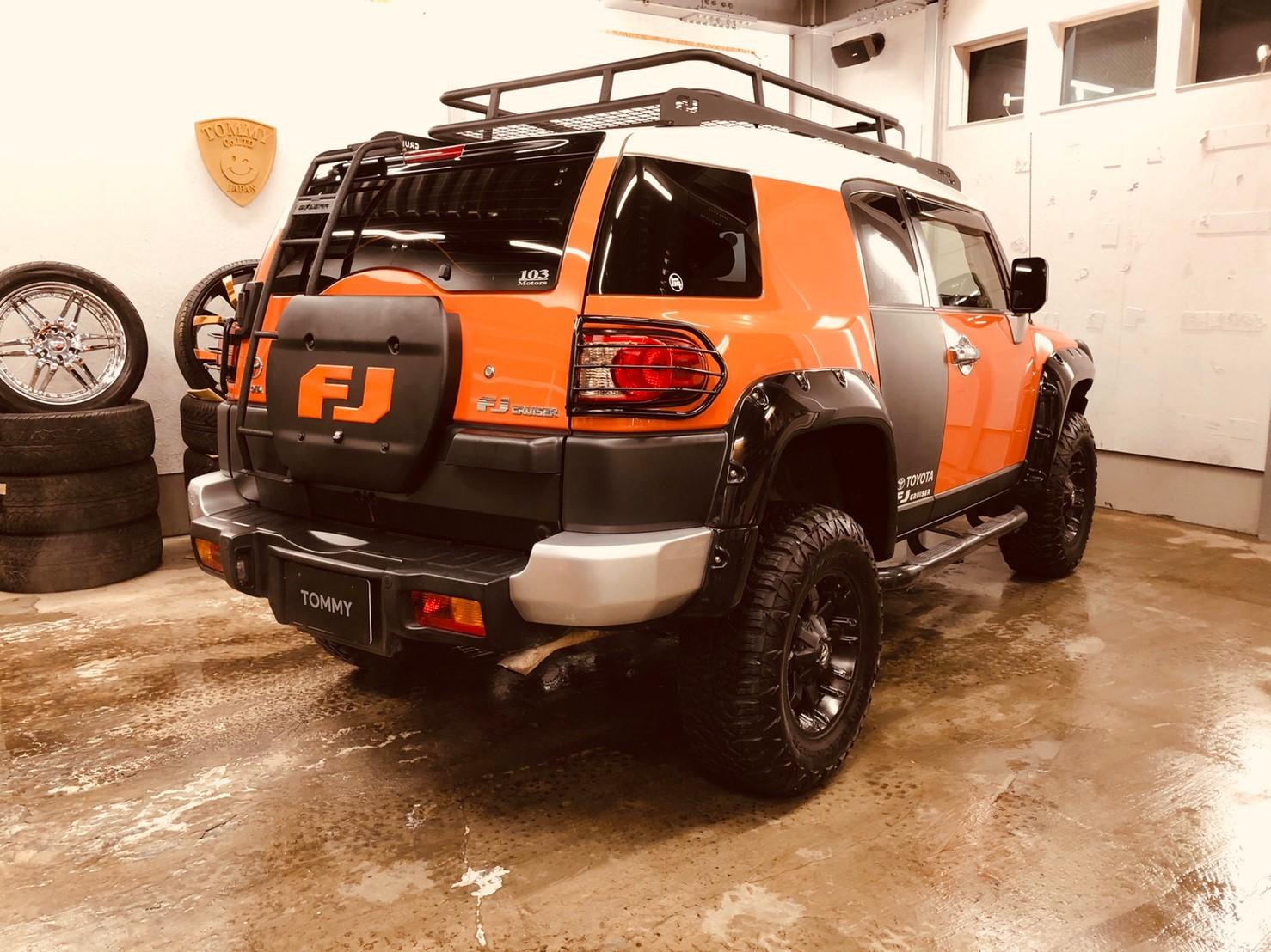 2/14(金)本店ブログ ハイエース5ドアバン3.0DT スーパーGLロング 4WD あります!! ランクル ハイエース ハマーならTOMMY_b0127002_19522594.jpg
