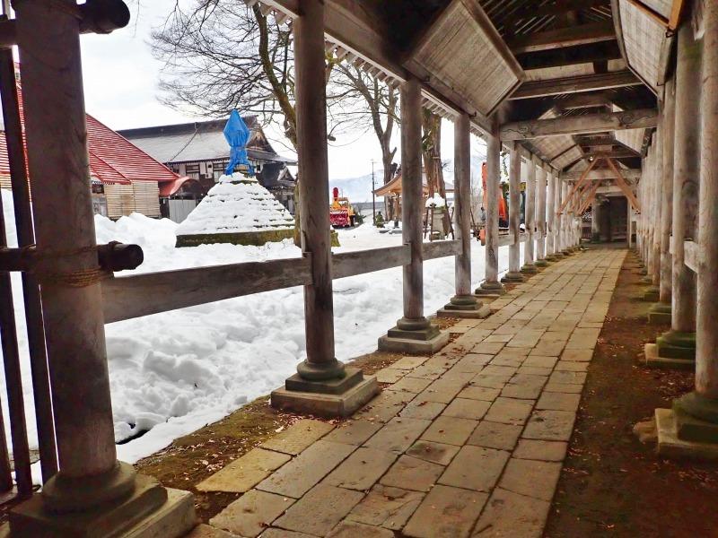 大祭会場へ雪が運び込まれています_c0336902_19193014.jpg