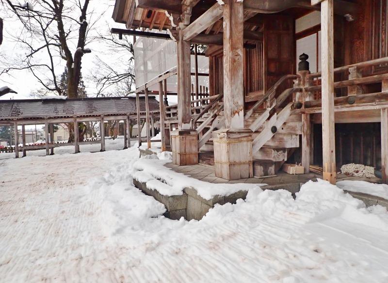 大祭会場へ雪が運び込まれています_c0336902_19193314.jpg