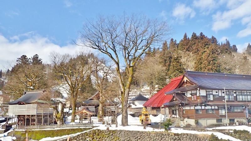 大祭会場へ雪が運び込まれています_c0336902_19194672.jpg