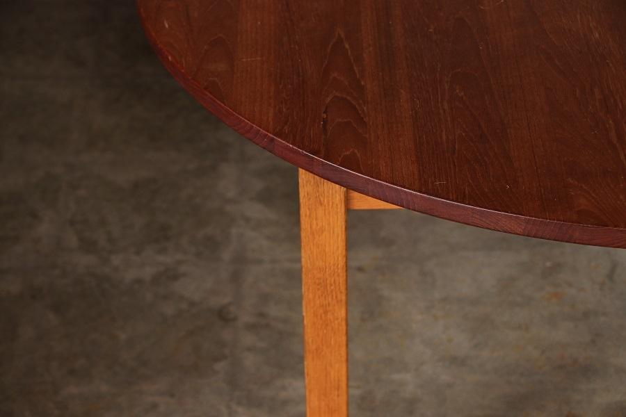 『Solid Teak Oak Round Dining Table』_c0211307_07013624.jpg