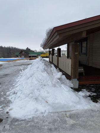 屋根の雪のこと_e0123419_14511716.jpg