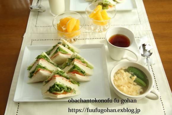 野菜サンドの休日ブランチ(^_^)v_c0326245_12180208.jpg