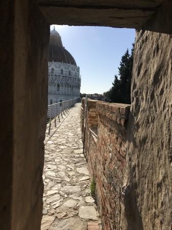 3ユーロでピサの『奇跡の広場』を上から眺める(前編)_a0136671_03525888.jpeg