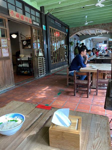 台湾(台南:赤崁楼周辺):赤崁擔仔麵「擔仔麵(タンツーメン)」「古早味麻油麺線」_b0089578_16431944.jpg