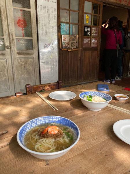 台湾(台南:赤崁楼周辺):赤崁擔仔麵「擔仔麵(タンツーメン)」「古早味麻油麺線」_b0089578_16433473.jpg