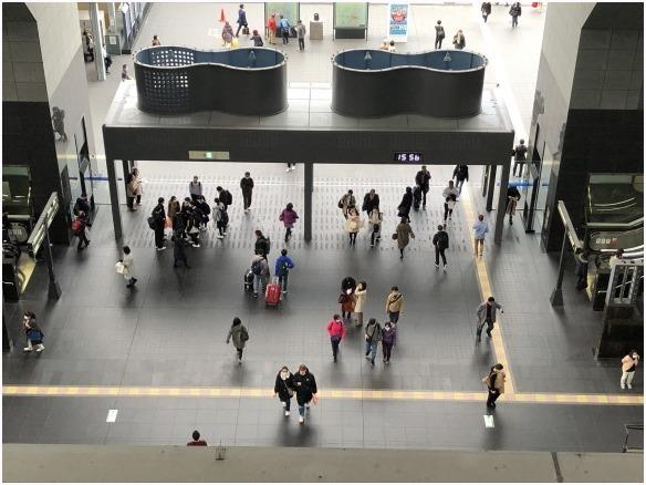 < 京都駅 >_c0036080_18245548.jpg
