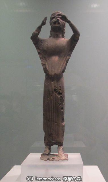 サモス島出土のフルート奏者の像 アテネ国立考古学博物館_c0010496_01221550.jpg