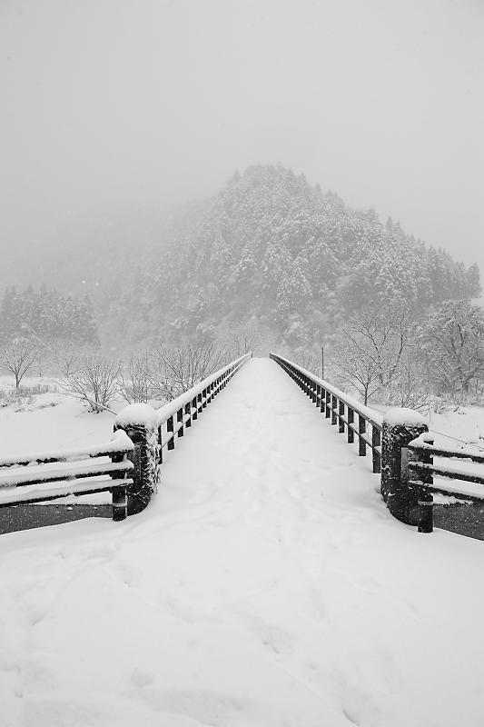 寒波到来!待望の雪景色@美山茅葺きの里 其の二_f0032011_16191022.jpg