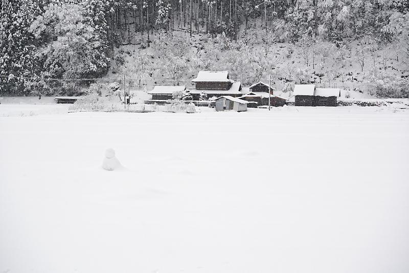 寒波到来!待望の雪景色@美山茅葺きの里 其の二_f0032011_16330869.jpg