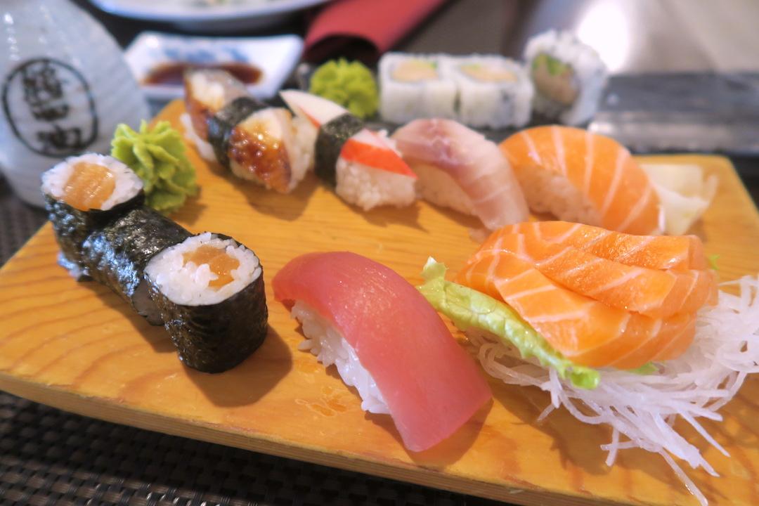 寿司と刺身のバレンタイン、夕日あかあかオルヴィエート_f0234936_7585810.jpg