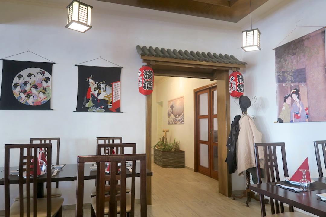 寿司と刺身のバレンタイン、夕日あかあかオルヴィエート_f0234936_8543515.jpg