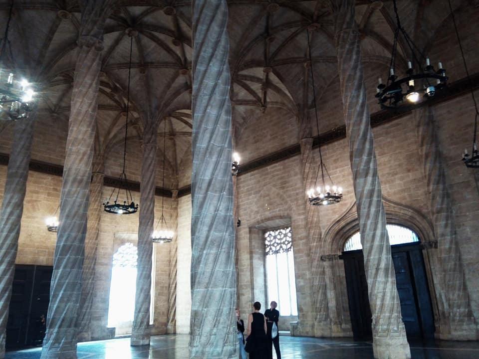 2019バレンシア&バルセロナの旅⑤ 市場と世界遺産_b0305039_05180796.jpg
