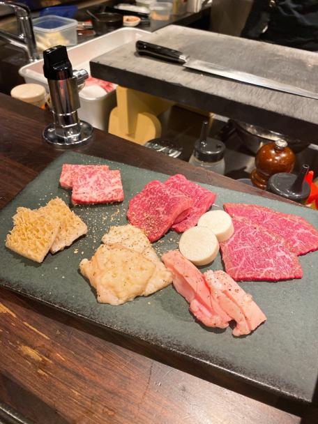 「焼肉一七三 やきにくいなみ)恵比寿」はカウンター席のみの、楽しい焼肉屋さんなんです。_f0054556_18462886.jpg