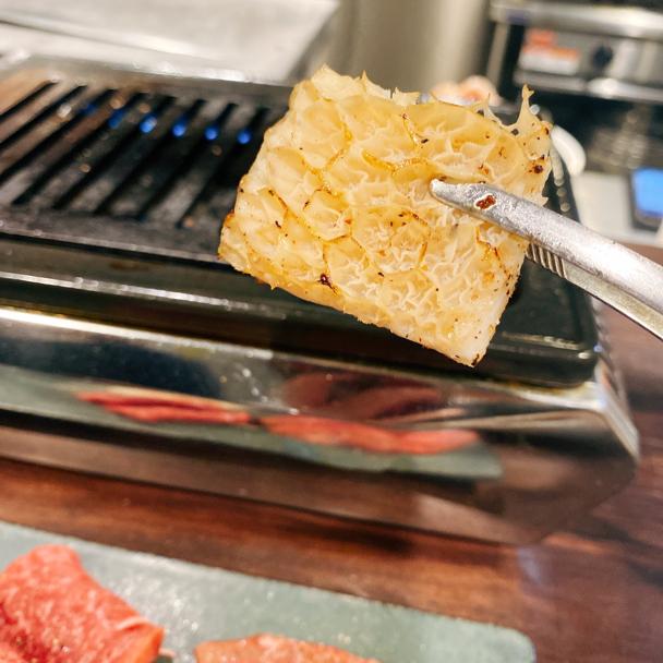 「焼肉一七三 やきにくいなみ)恵比寿」はカウンター席のみの、楽しい焼肉屋さんなんです。_f0054556_18465692.jpg
