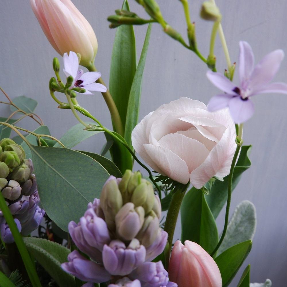 オークリーフ(チューリップと球根切り花のアレンジメント)_f0049672_20261490.jpg