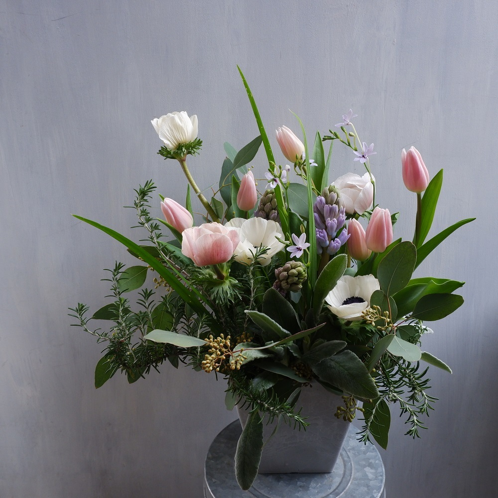 オークリーフ(チューリップと球根切り花のアレンジメント)_f0049672_20262976.jpg