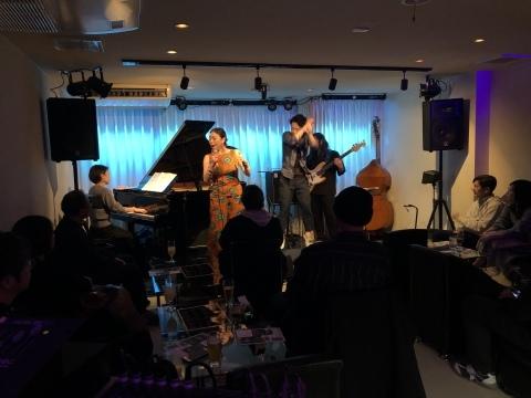 広島 Jazzlive Cominジャズライブカミン   明日月曜日のライブ_b0115606_12331682.jpeg