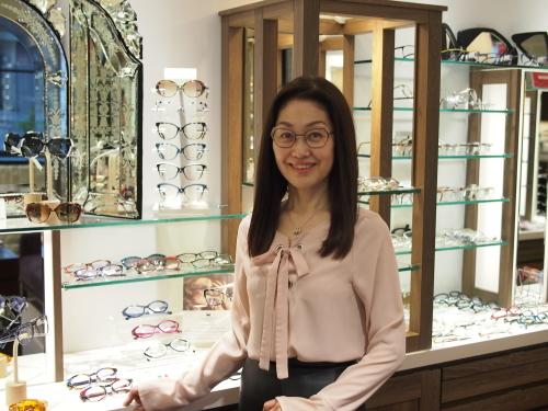 スタッフの新しいメガネ! その②_e0195325_17164458.jpg