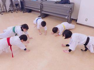 日曜空手 屯田教室 新琴似・新川教室_c0118332_13050953.jpg