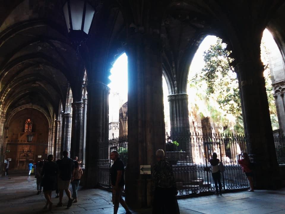 2019バレンシア&バルセロナの旅⑦ 5年ぶりのバルセロナ大聖堂とマトチーズ_b0305039_00565116.jpg