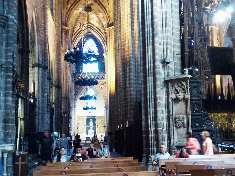 2019バレンシア&バルセロナの旅⑦ 5年ぶりのバルセロナ大聖堂とマトチーズ_b0305039_00573838.jpg