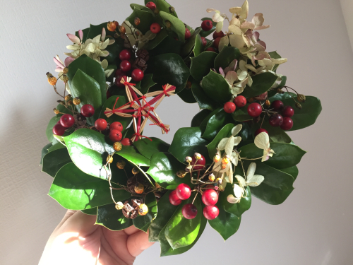 【クリスマスホーリーのXmasリース】_c0184043_13153765.jpg