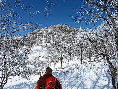 紺碧なお空の下で真っ白な雪山を楽しむ~【台高】2/11_d0387443_14132169.jpg