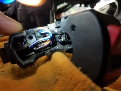 CBR600RR ヘッドライト点かず_e0114857_10064545.jpg