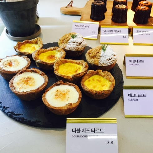 ソウル旅行 8 雰囲気のいいカフェでミルフィーユ「ESCAVE」カロスキル_f0054260_11590828.jpg