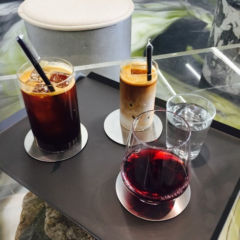 ソウル旅行 8 雰囲気のいいカフェでミルフィーユ「ESCAVE」カロスキル_f0054260_12000176.jpg