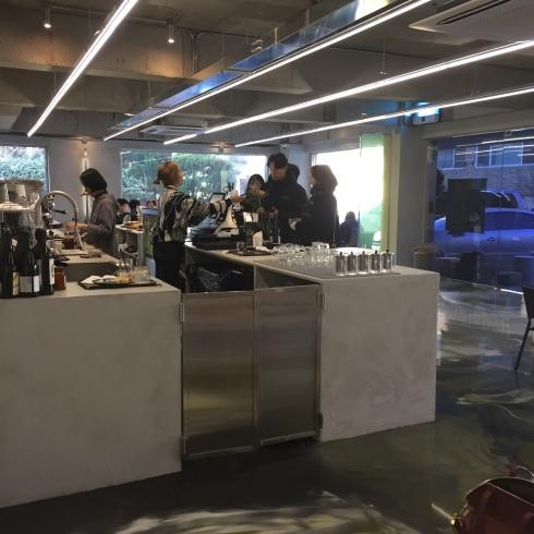 ソウル旅行 8 雰囲気のいいカフェでミルフィーユ「ESCAVE」カロスキル_f0054260_12003918.jpg