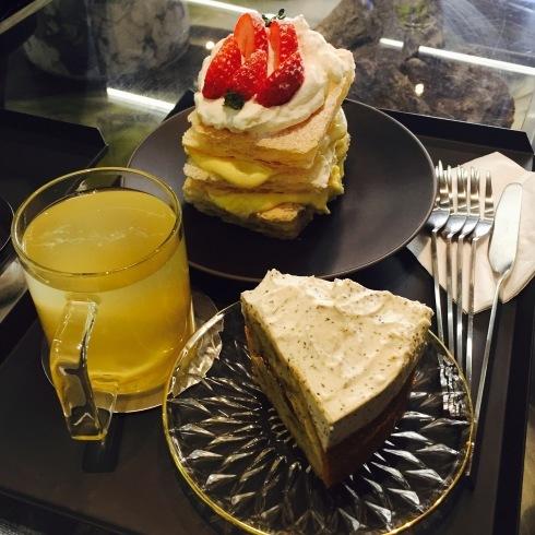 ソウル旅行 8 雰囲気のいいカフェでミルフィーユ「ESCAVE」カロスキル_f0054260_12010476.jpg