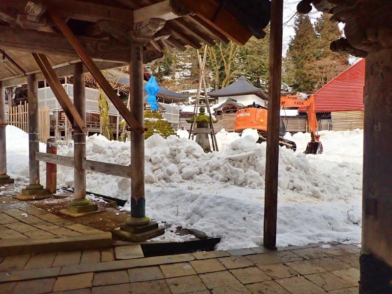 会場への雪入れ3日目は・・・_c0336902_22301152.jpg