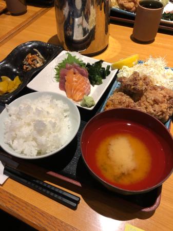鶏の唐揚げとお刺身定食_d0235108_20175404.jpg