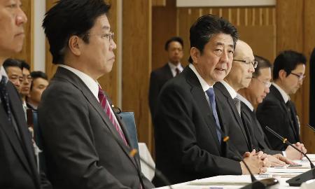 初動を誤った日本 - 韓国は1日5000件の検査体制、費用は公費負担_c0315619_14491168.png