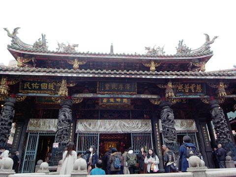 台湾訪問録(3)~お寺回り_b0145843_00011315.jpg